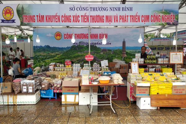 Khai mạc Hội chợ quảng bá, tiêu thụ nông đặc sản vùng miền và sản phẩm OCOP tại Hà Nội năm 2020
