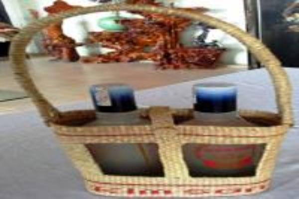 Sản phẩm làn Rượu nếp Lai Thành của DNTN Phú Quý – xã Lai Thành (Kim Sơn)
